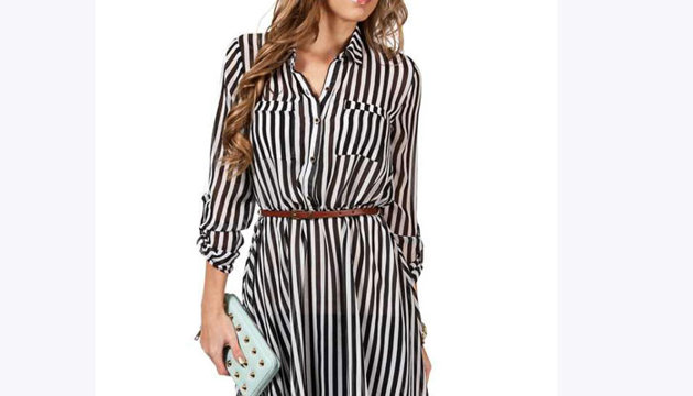 فستان بأقمشة ذات خطوط طولية