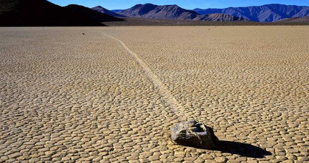 الصخور المبحرة، وادي الموت، كاليفورنيا، الولايات المتحدة الأمريكية