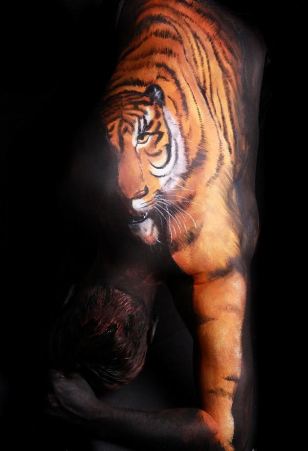 20 صورة مذهلة لفن تجسيد الحيوانات بالجسد